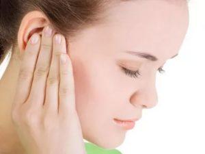 Боль в горле, заложено ухо, но не болит, кружится голова
