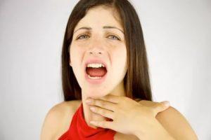 Сухость во рту, боль в горле